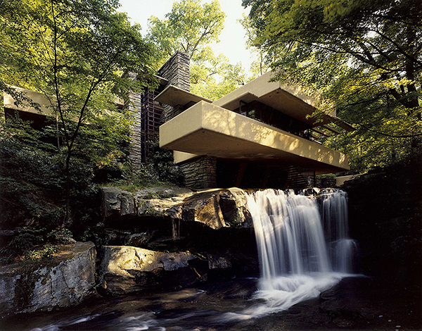 Frank Lloyd Wright image of falling water
