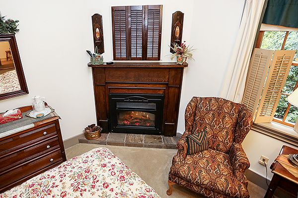Woodlands King Room fireplace.